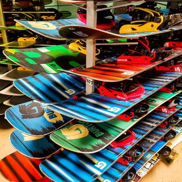 Picture of Snowboard Rental Package Outreach
